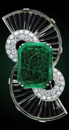 Art Deco Boucheron ~ Emerald & Diamond Brooch by shawna - Jewelry Art Deco Jewelry, Bling Jewelry, Jewelry Design, Jewlery, Jewellery Box, Diamond Brooch, Emerald Diamond, Diamond Earrings, Crystal Diamond