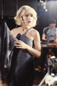 Photo of Debbie HARRY and BLONDIE Debbie Harry on the set of the 'Heart of Glass' video shoot