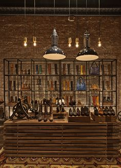Frye A Design and Concept Firm Old Gringo, Shop Interior Design, Retail Design, Shoe Store Design, Modern Store, Store Window Displays, Retail Merchandising, Store Interiors, Urban Architecture
