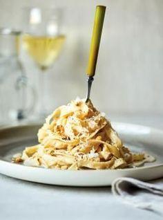 Tagliatelle with Walnut Cream Sauce Recipe Pasta With Walnut Sauce, Pasta With Walnuts, Recipes With Walnuts, Food Network Recipes, Cooking Recipes, Pasta Recipes, Dinner Recipes, Tagliatelle Pasta, Tagliatelle Recipes