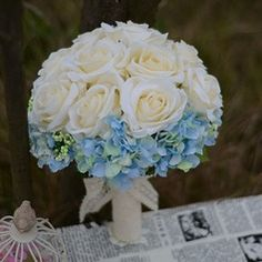 Are you thinking about having your wedding by the beach? Are you wondering the best beach wedding flowers to celebrate your union? Here are some of the best ideas for beach wedding flowers you should consider. Church Wedding Flowers, Cheap Wedding Flowers, Bridal Flowers, Floral Wedding, Blue Wedding, Trendy Wedding, Bridal Bouquet Blue, Bride Bouquets, Flower Bouquet Wedding