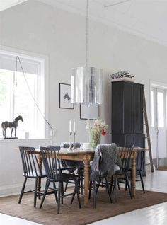 Home decor - Search Scandinavian Living, Scandinavian Interior, Table And Chairs, Dining Table, Dining Rooms, New Living Room, Modern Kitchen Design, Interior Decorating, Bedroom Decor