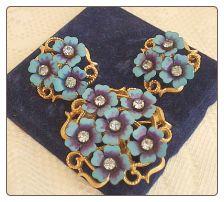 Avon LOVE BLOSSOMS Blue Flower Rhinestone Pendant Pin & Earrings Signed