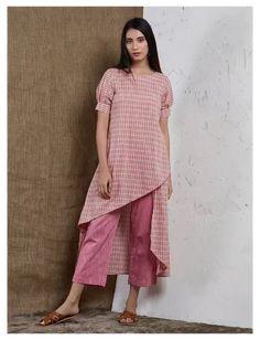 Salwar Designs, Plain Kurti Designs, Short Kurti Designs, Simple Kurta Designs, New Kurti Designs, Kurta Designs Women, Kurti Designs Party Wear, Kurtha Designs, Sleeves Designs For Dresses