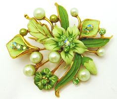 Charming Vintage Painted Enamel Flower Pin Brooch Rhinestones Faux Pearls