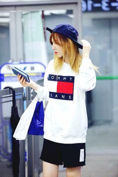 Fashion Idol, Daily Fashion, Fashion Looks, Wendy Red Velvet, Red Velvet Irene, Red Velet, Velvet Fashion, Airport Style, Airport Fashion