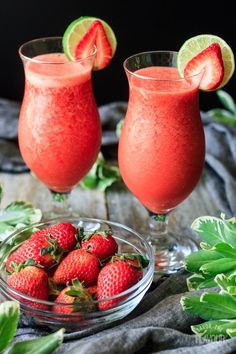Are you looking for the best virgin strawberry daiquiri you'll ever taste? This non alcoholic strawberry daiquiri is the ultimate frozen drink for summer. Best Non Alcoholic Drinks, Drink Recipes Nonalcoholic, Alcohol Drink Recipes, Punch Recipes, Non Alcoholic Margarita, Alcoholic Shots, Alcoholic Desserts, Easy Recipes, Refreshing Drinks