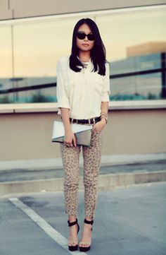 Hmm neutrals with neutral leopard doesn't make it too scandalous. Cute outfit.