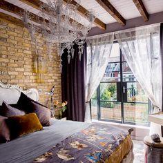 Feminine Bedroom 10 Graceful Ideas - Verpa Home Design Ideas Eclectic Design, Modern Bedroom Design, Modern Design, Modern Contemporary, Contemporary Chandelier, Interior Design Themes, Interior Design Inspiration, Interior Ideas, Design Ideas