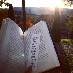 Autumn reading in the park #amreading #bookmark #bookstagram #booktube #autumn #fall #sunset