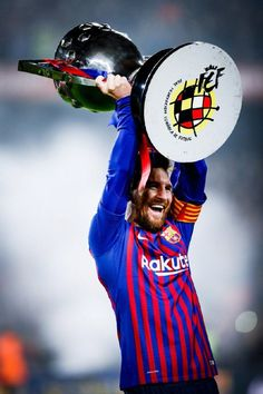 Barcelona sealed back-to-back La Liga titles on Saturday, with a win over Levante steering the Catalans on course to retaining their crown with three games Football Player Messi, Club Football, Messi Soccer, Iran Football, Football Soccer, Soccer Ball, Fc Barcelona, Barcelona Football, Messi Pictures
