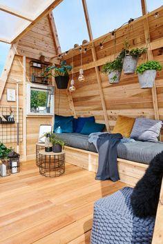 Driverhus - en funktionel oase - #SILVANDIY Porch Swing, Outdoor Furniture, Outdoor Decor, Hammock, Meditation, Homemade, Home Decor, Gardening, Lawn And Garden