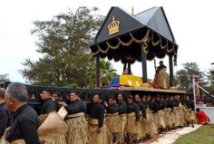 1000 Pall Bearers to carry the Late King Tupou V of Tonga to his Resting Place <3