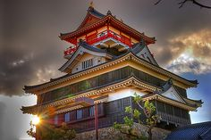 Kiyosu Castle at sunset -- Japan