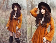 40 Trendy Fashion Combination For This Fall - outfit.tophaarmodelle 59 Chic Fall Outfit Ideas To Copy Right Now Fall Fashion Trends, Trendy Fashion, Boho Fashion, Autumn Fashion, Modern Witch Fashion, Fashion Ideas, Vintage Fashion, Alternative Mode, Alternative Fashion