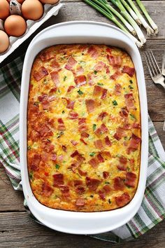 Bacon, Potato, and Egg Casserole Recipe on twopeasandtheirpo. This easy breakfast casserole is packed with bacon, potatoes, and cheese! It can be made in advance and is a real crowd pleaser! Easy Breakfast Casserole Recipes, Breakfast Dishes, Brunch Recipes, Breakfast Ideas, Breakfast Potatoes, Brunch Casserole, Bacon Breakfast, Morning Breakfast, Perfect Breakfast