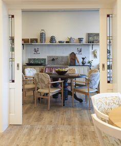 Heemhaven in Heemstede heeft duidelijk een visie hoe het interieur de bewoner thuis doet voelen.