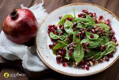 Σαλάτα σπανάκι με καρύδια και βινεγκρέτ ροδιού - gourmed.gr