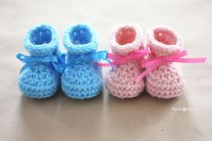 Repeat Crafter Me: Crochet Newborn Baby Booties Pattern