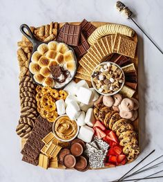 Charcuterie Recipes, Charcuterie Platter, Charcuterie And Cheese Board, Cheese Boards, Snack Platter, Breakfast Platter, Dessert Platter, Breakfast Dessert, Think Food