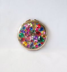 Vintage Multi Colored 'Jeweled' Mirror Compact Made in Japan Gold tone Vintage Gifts, Vintage Items, Team Gifts, Powder Puff, Compact Mirror, A4, Mirrors, Japan, Group