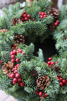 Holiday wreath from Fleurs Tremolo