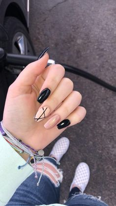 Nails gold Black and rose gold designed nails Black and rose gold designed nails Gold Acrylic Nails, Acrylic Nails Coffin Short, Simple Acrylic Nails, Rose Gold Nails, Grunge Nails, Swag Nails, My Nails, Stylish Nails, Trendy Nails