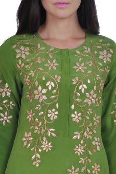 Eid 2017 Collection: Mehandi Green Hand Embroidered Gota Patti Kurta With Skirt Pakistani Dresses, Indian Dresses, Indian Outfits, Kurti Embroidery Design, Hand Embroidery Dress, Embroidery Ideas, Embroidery Stitches, Kurti Neck Designs, Blouse Designs