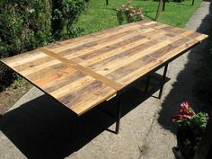 DIY Industrial Pallet Dining Table | 99 Pallets
