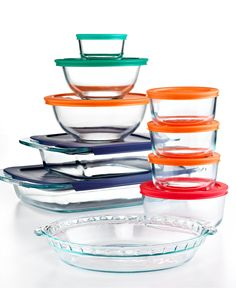 Moving into a place with a tiny kitchen? No sweat! The Pyrex Bake, Store and Prep Set is the most versatile collection of kitchen must-haves. Always be prepared for leftovers with containers and color-coding lids.