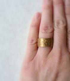 Wide+wedding+band.+Vintage+brass+gold+wedding+ring+by+minusOne