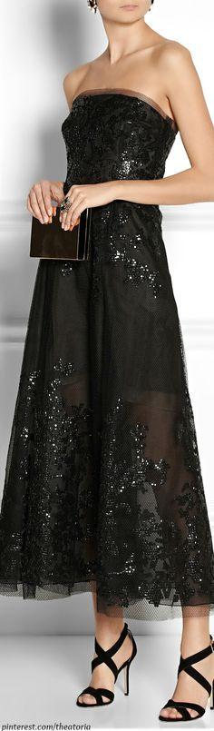Oscar de la Renta ● Embellished tulle gown