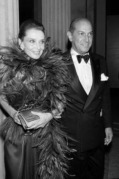 Oscar De La Renta http://www.boredpanda.com/rip-oscar-de-la-renta-10-celebrities-wearing-his-gorgeous-dresses/