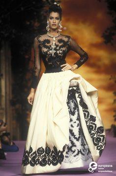 Christian Lacroix, Autumn-Winter 1992, Couture | Christian Lacroix - Europeana Collections