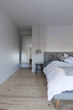 MAISON UNIFAMILIALE SAINT-SAUVEUR — DKA Architectes Saint Sauveur, Ski Chalet, Forest House, House Plans, Home And Family, Farmhouse, House Design, Bed, Interior