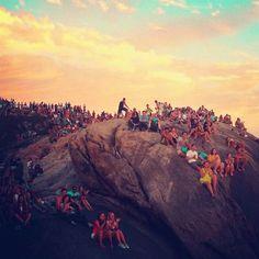 Pôr dor Sol na Pedra do Arpoador — RJ #Sunset