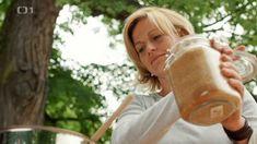 Lipovo-tymiánový sirup na rýmu a kašel — Recepty — Kouzelné bylinky — Česká televize Healthy Salad Recipes, Salads, Salad, Lettuce