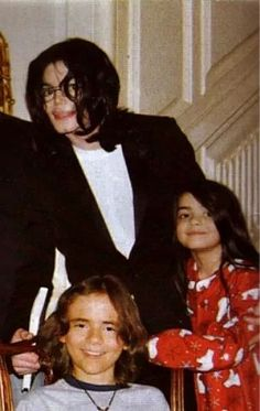 prince, blanket and michael jackson