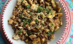 Geroosterde bloemkool met aardappeltjes.