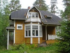 House by architect Wivi Lönni, Finland. Beautiful Buildings, Beautiful Homes, Wooden Buildings, Wooden Houses, Dream House Exterior, Scandinavian Home, Little Houses, Log Homes, Home Fashion
