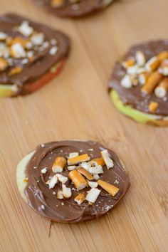 """Chcolate Hazelnut & Pretzel Apple """"Cookies"""" Great way to sneak in some healthy food for picky eaters. Perfect after school snack."""