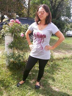 Blog Femina - Modéstia e Elegância: Legging de couro NewChic + Camiseta Vista Direita