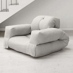 1000 ideas about futons on pinterest futon shop futon sofa and futon frame - Fauteuil qui fait lit ...