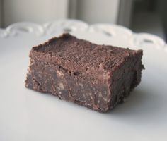 Raw Vegan Brownies (oil-free, sugar-free, gluten-free)