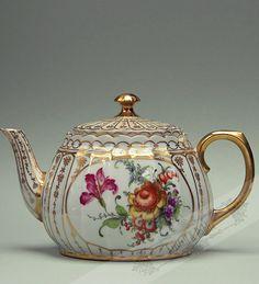 1,3 L Tea pot Ludwigsburg um 1900**