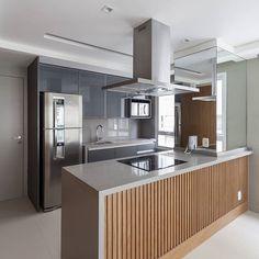 Apartamento jardins projeto by WVS fotos Moduler Kitchen, Home Decor Kitchen, Room Partition Designs, Interior Design Living Room, Design Interiors, Cool Kitchens, Sweet Home, House Design, Decoration