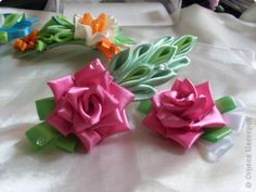 ROSETTE TUTORIAL FABRIC ORIGAMI Master class Tsumami Kanzashi: roses.  Kanzashi.  MC.  Tape.  Photo 1 Ribbon Flower Tutorial, Rose Tutorial, Diy Ribbon, Ribbon Work, Ribbon Crafts, Flower Crafts, Ribbon Hair, Hair Bows, Cloth Flowers