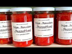 La conserva di pomodoro fatta in casa, solo polpa di pomodoro tagliata a pezzettoni senza conservanti, senza additivi, tutto naturale!