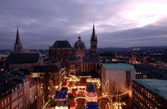 Aachener Weihnachtsmarkt. Christmas market in Aachen, Germany.