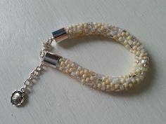 szydełkowa bransoletka z koralików, crochet bracelet with beads